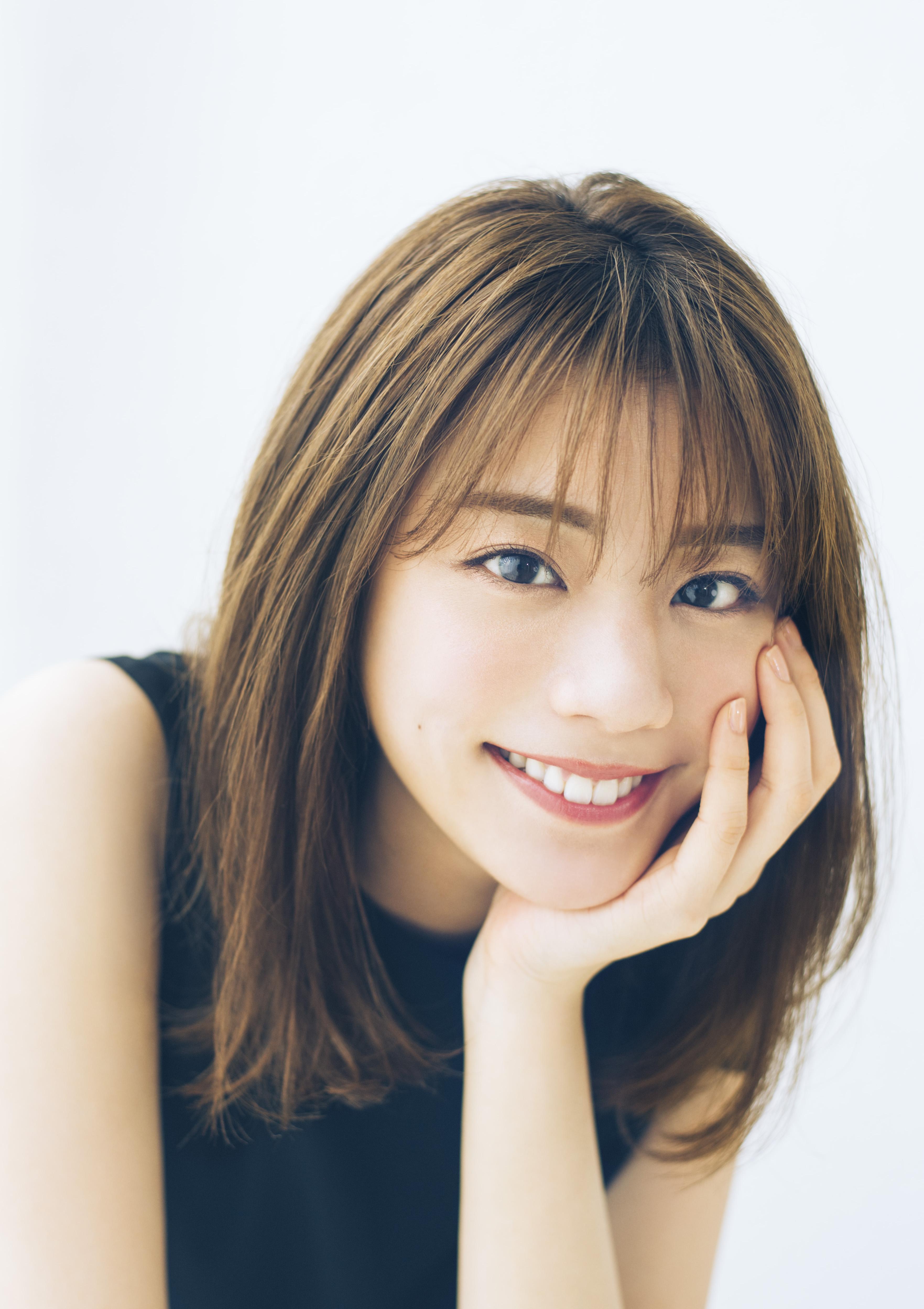 『貴島明日香』お天気キャスターの美ボディーを「スピリッツ」の表紙で飾る