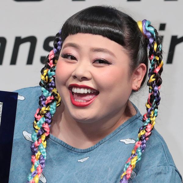 『渡辺直美&ユリアン』のパロったMV公開。レディー・ガガもビックリ!