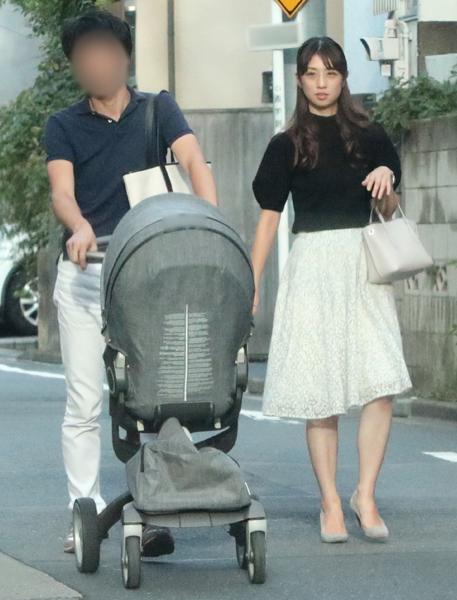 離婚拒む『小倉優子』 夫の弁護士から離婚届け届く。