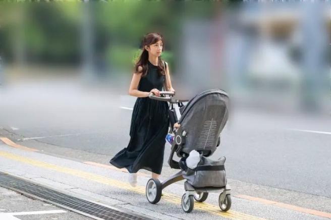 『小倉優子』闇がますます深まる。第3子男児出産を支えてくれた主人にも感謝?