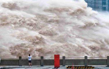 三峡ダム決壊寸前! 無慈悲な高速列車事故が頭を過ぎらせる。