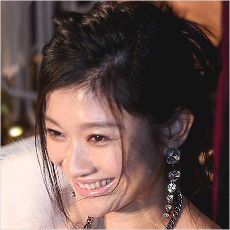 『篠原涼子』 市村正親と別居。家賃80万の高級マンションに一人暮らし?