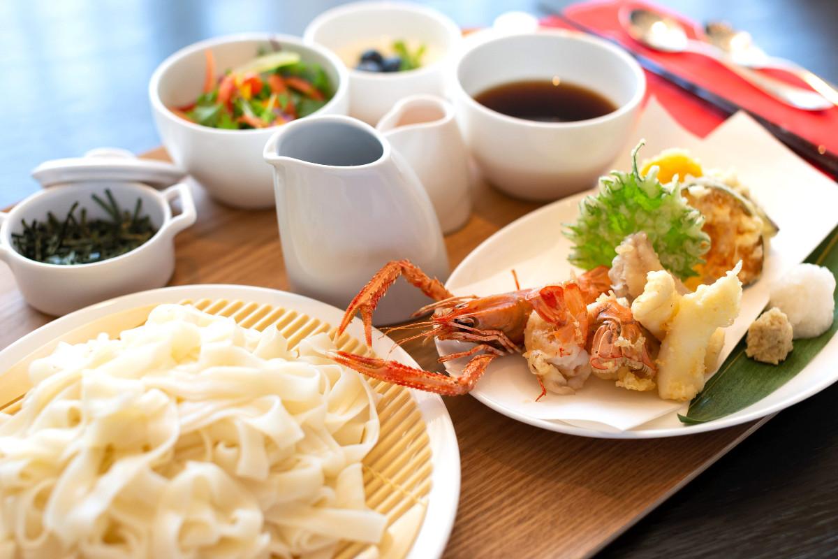 【悲報】藤井聡太さんの昼飯2200円