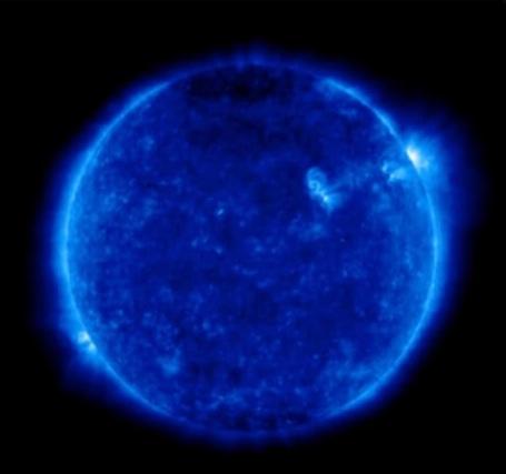 太陽に謎のメッセージ?数字の『2』